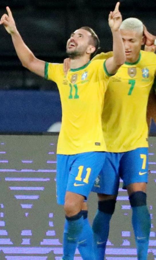 brasil-luce-invencible-y-ahora-goleo-a-peru