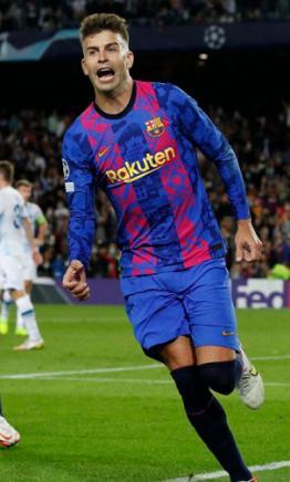gerard-pique-mantiene-a-barcelona-vivo-en-la-champions-league